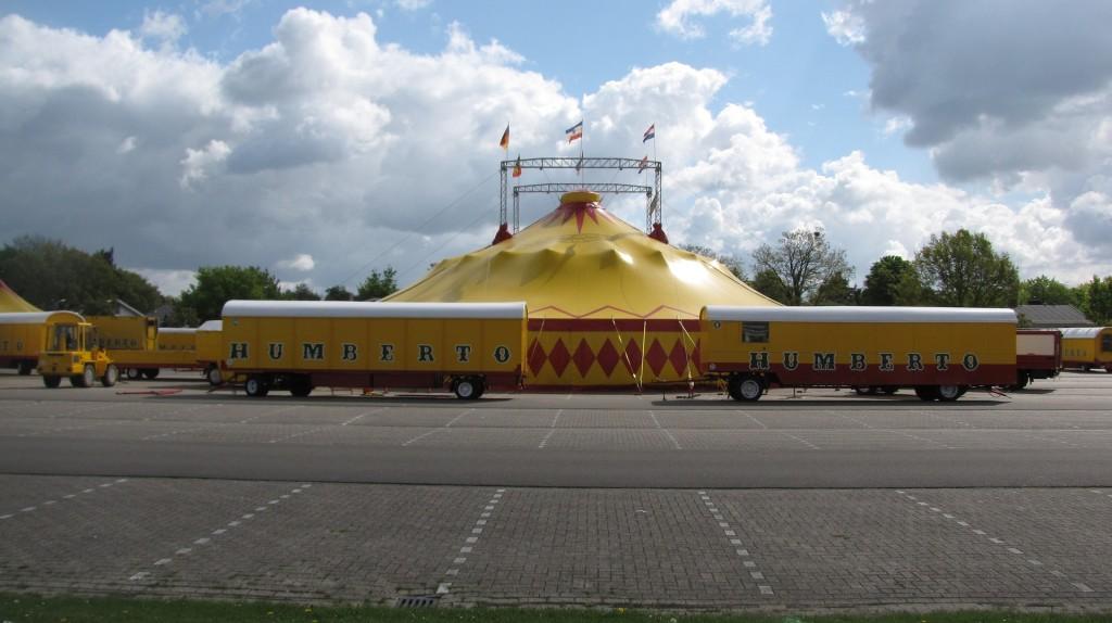 circus-1373134_1920
